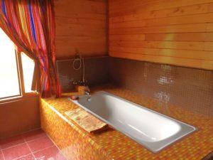 bathtub-3 country house
